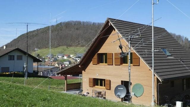 Haus mit Antennen