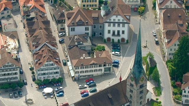 Der Stanser Dorfplatz aus der Vogelperspektive.