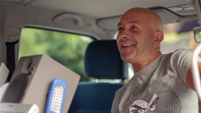 Giusi Pinto en il studio mobil dal Radio Rumantsch.