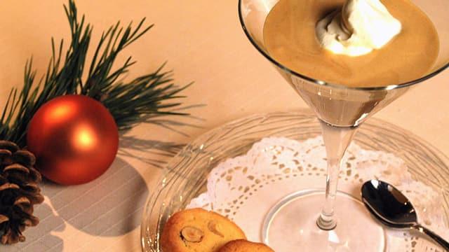 Gebrannte Crème mit Haselnusssablés