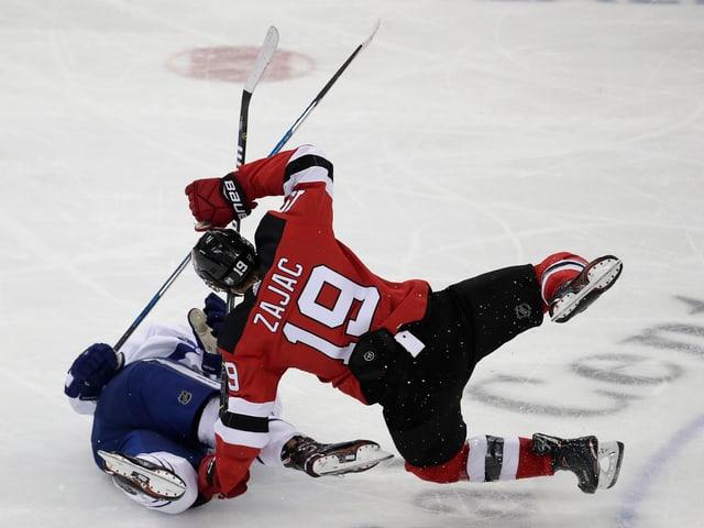 Die New Jersey Devils ringen die Maple Leafs nieder.