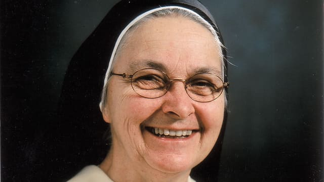 Video «Ingrid Grave - Ordensfrau mit Fernseherfahrung» abspielen