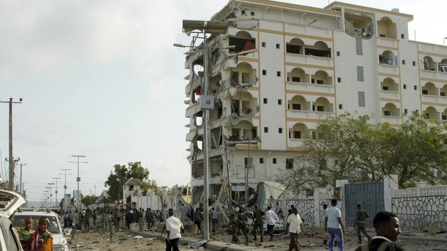 L'hotel Jazeera Palace a Mogadischu suenter la greva detunaziun.