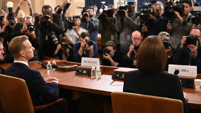 David Holmes und Fiona Hill bei den Impeachment-Anhörungen.