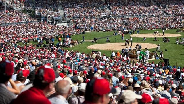 Tausende Zuschauer verfolgen das «Eidgenössische» in Frauenfeld