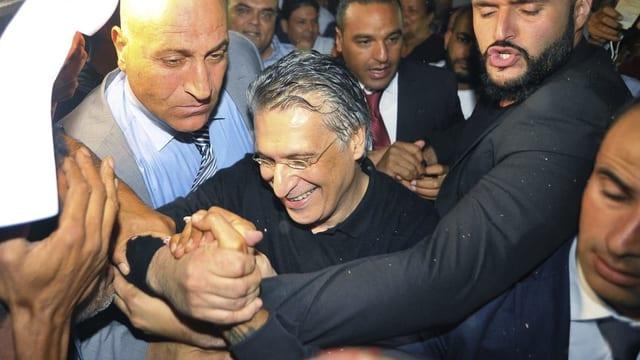 Nabil Karoui freut sich nach seiner Freilassung