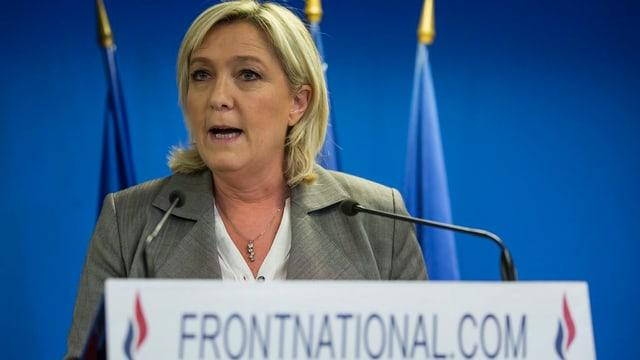 Purtret da la scheffa da la Front National, Marine Le Pen.