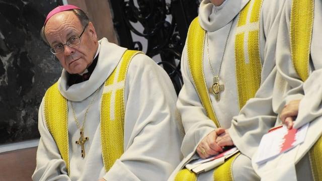 Der Churer Bischof Huonder an der Veranstaltung «Miteinander Kirchen bauen»