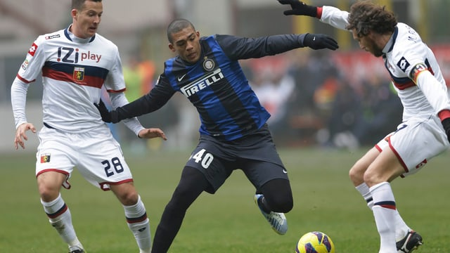 Inter Mailand spielt gegen Genoa nur Unentschieden.