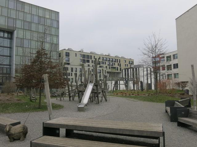 Ein Spielplatz in der Suurstoffi.