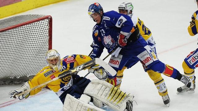 Mikko Lehtonen beschäftigt die Davoser Abwehr