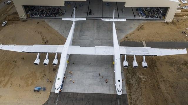 Riesiges Flugzeug