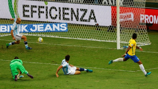 scena da gol tranter en il gieu da ballape tranter la Brasilia e l'Argentina