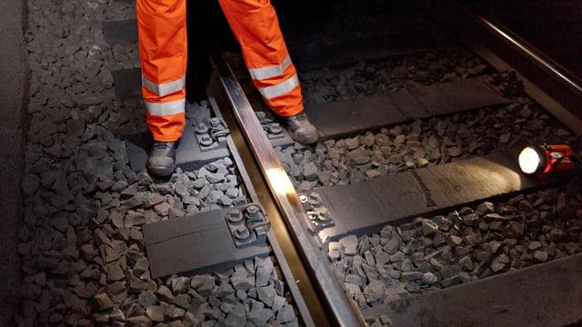Unterhaltsarbeiten an Bahngeleisen.