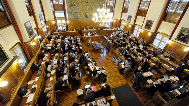 Blick in den Ratsaal im Zürcher Ratshaus mit dem tagenden Gemeinderat