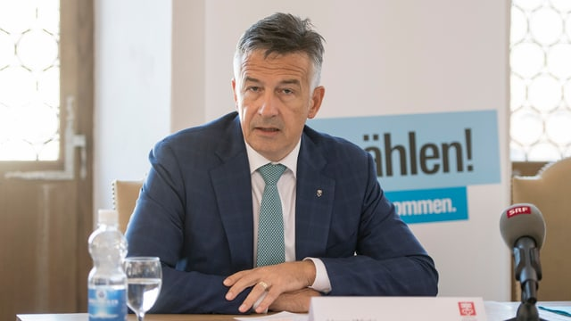 Hans Wicki durant la conferenza da medias davart sia candidatura.