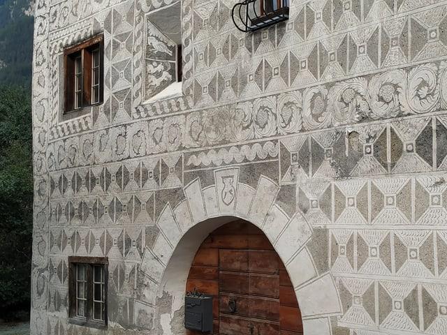 Im Dorf Andeer ist die rätoromanische Vergangenheit noch allgenewärtig. Auch in der Architektur.