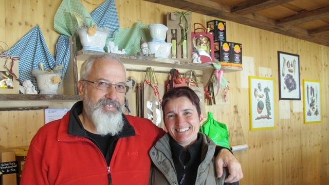 Das Ehepaar Susy und Martin Birrer vom Gummenhof.
