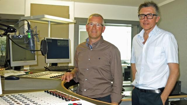 Die beiden Herren im Studio im Gespräch.