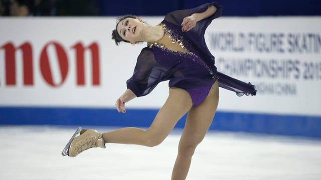 Die russische Eiskunstläuferin Elisaweta Tuktamischewa während ihrer Kür an der WM in Schnaghai.