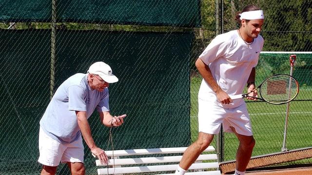 Pierre Paganini stoptt die Zeit während einer Fitnessübung Federers.