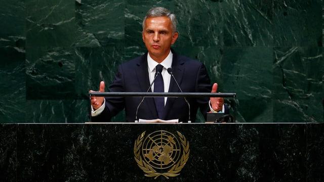 Didier Burkhalter am Rednerpult am UNO-Gipfeltreffen