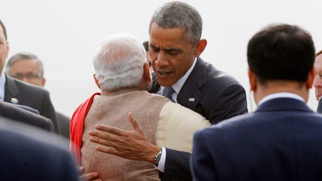 Premier Modi umarmt Obama