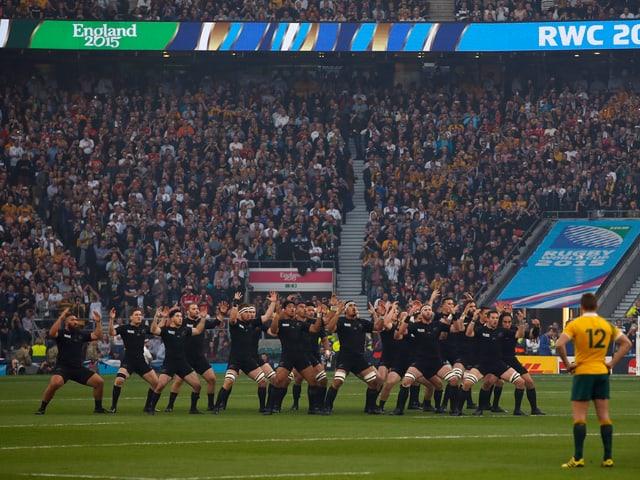 Neuseeland zelebriert vor dem Spiel den «Haka»