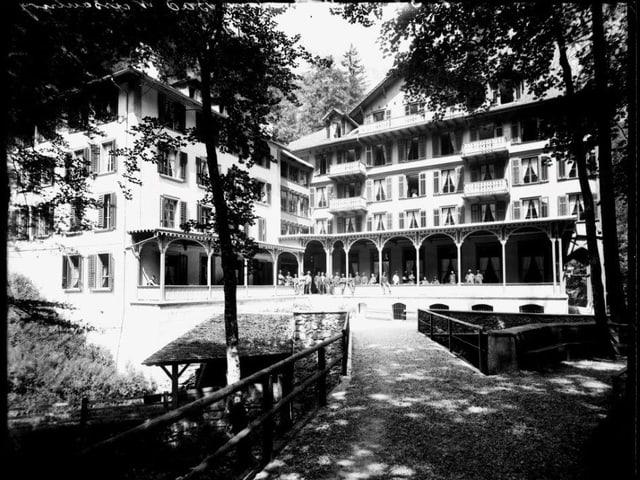 Das hintere Weissenburgbad vor 1925.
