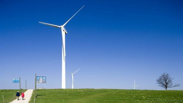 Symbolbild: Windturbine auf dem Mont Crosin im Berner Jura.