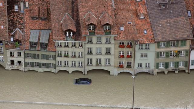 Überflutete Gassen in der Berner Altstadt, Jahr 2005