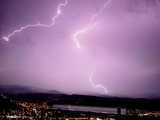 Blitze am Himmel,