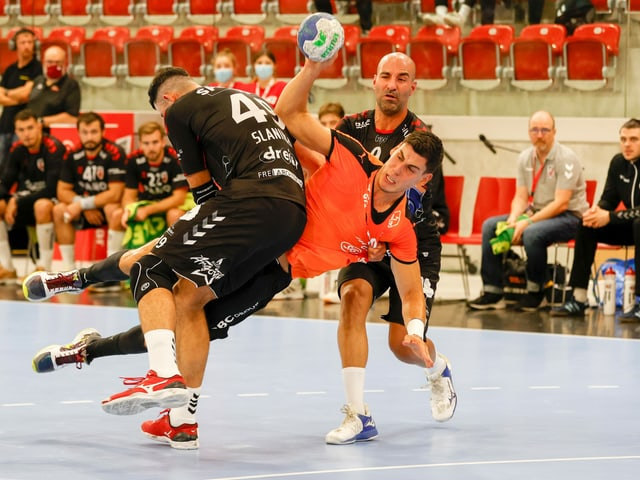 Luka Maros im (verlorenen) Supercup-Final gegen Suhr Aarau.