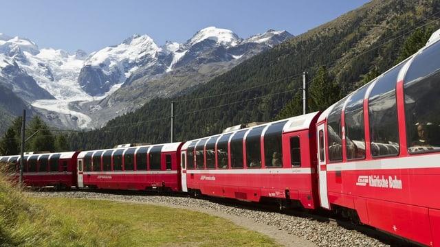 Purtret da la Viafier retica, pli exact il Bernina Express.