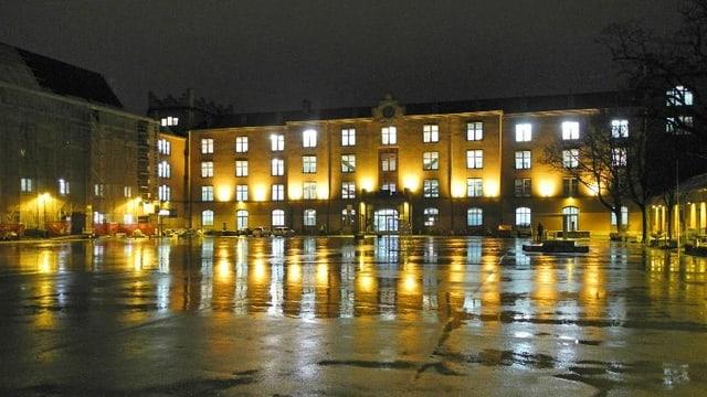 Kopfbau der Basler Kaserne