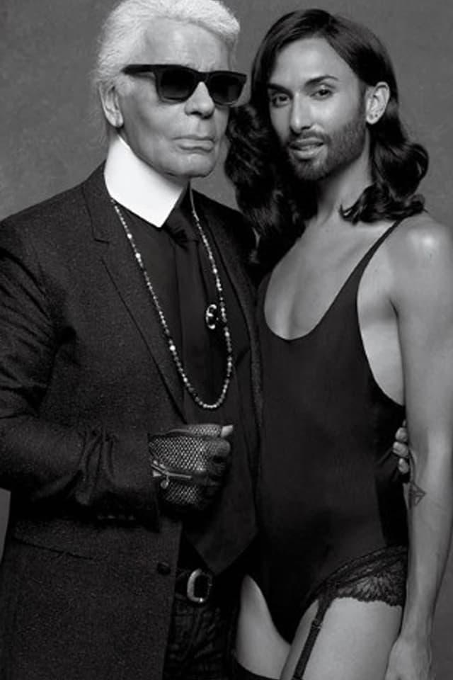 Conchita Wurst posiert mit Karl Lagerfeld