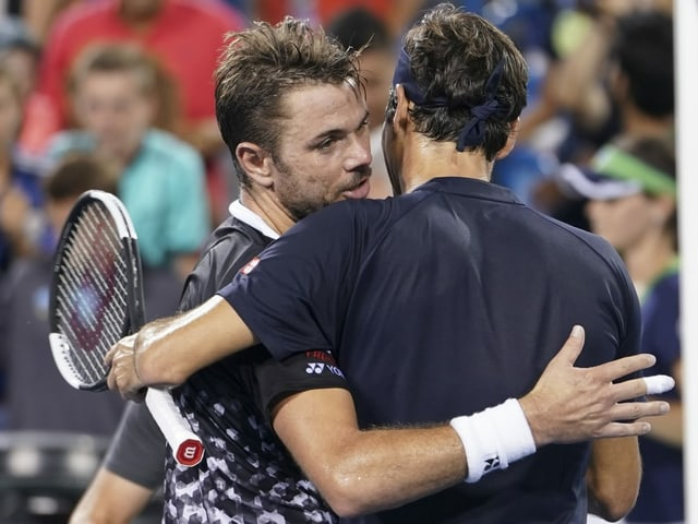 Wawrinka umarmt Federer