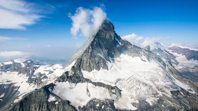 Berg aus der Luft.