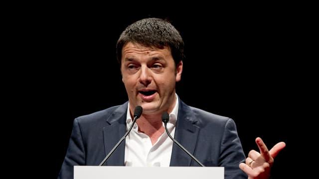 Matteo Renzi am Rednerpult.