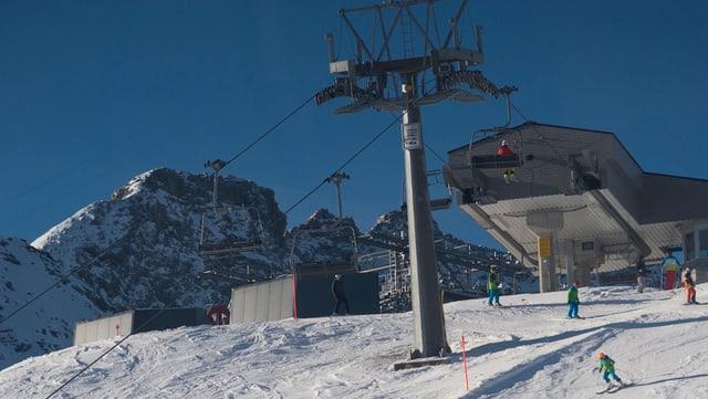 Maletg simbolic: Sutgera Hörnli en il territori da skis d'Arosa.