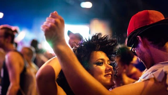 Tänzer in einem Club.