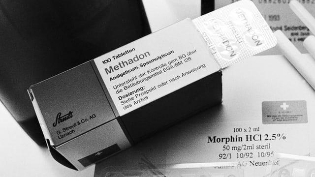 Ein altes Bild von einer Schachtel Methadontabletten.