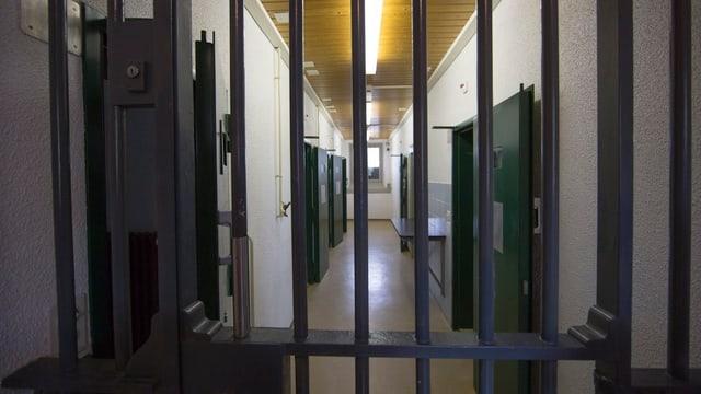 Gefängnistür