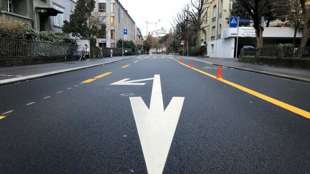 Leere Schwarztorstrasse in Bern.