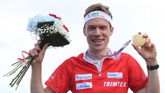 Purtret Daniel Hubmann, campiun mundial ad Inverness.