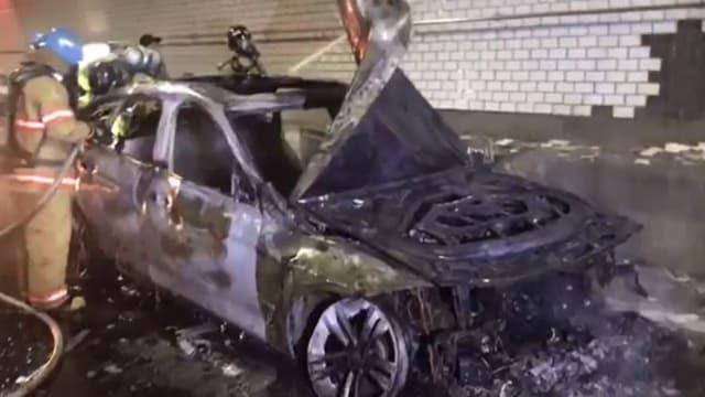 Ausgebranntes Auto in Südkorea.