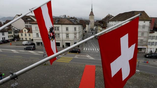 Die Schweiz und Österreich grenzen im Rheintal aneinander.