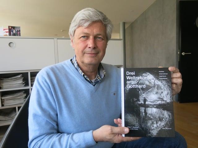 Der Gotthard ist seine Leidenschaft - Autor und Tessiner Korrespondent von Radio SRF - Alexander Grass.