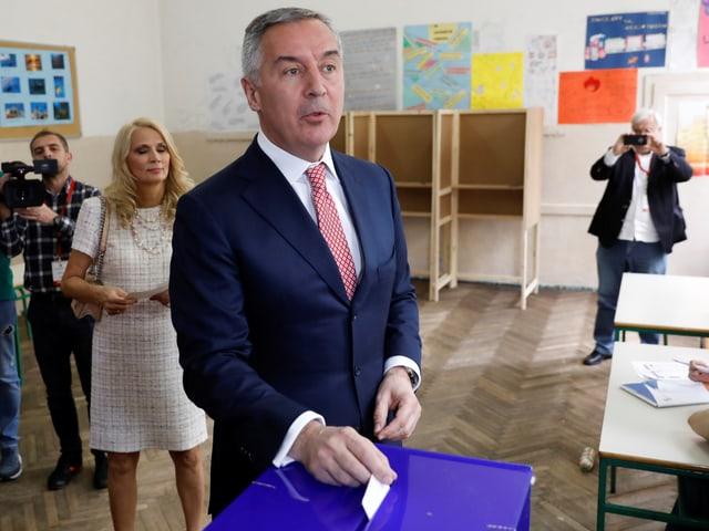 Milo Djukanovic bei der Stimmabgabe.