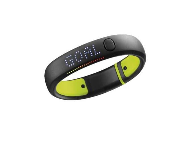 Armband von Nike, auf dem Display das Wort GOAL: